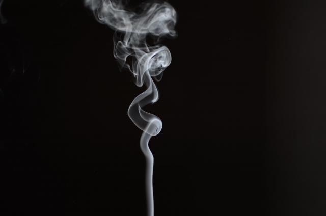 Vapoter augmente le risque que je commence à fumer la cigarette.